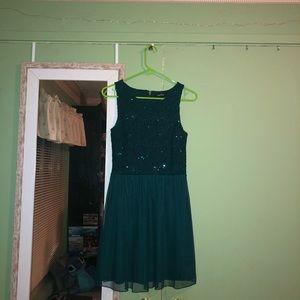 GREEN SEMIFORMAL DRESS
